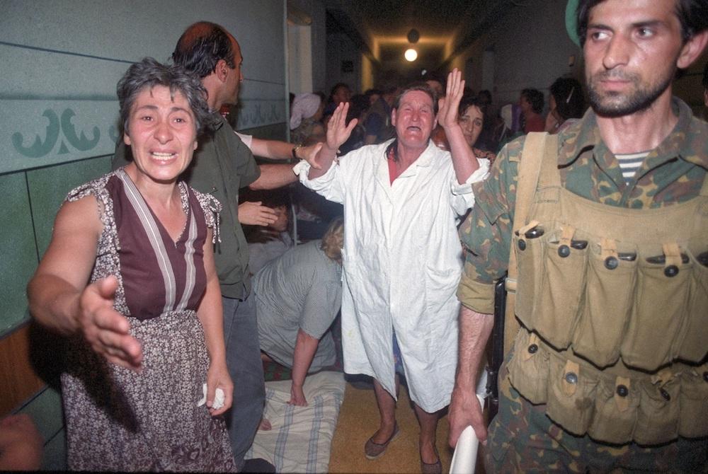 Захваченные в больнице Буденновска