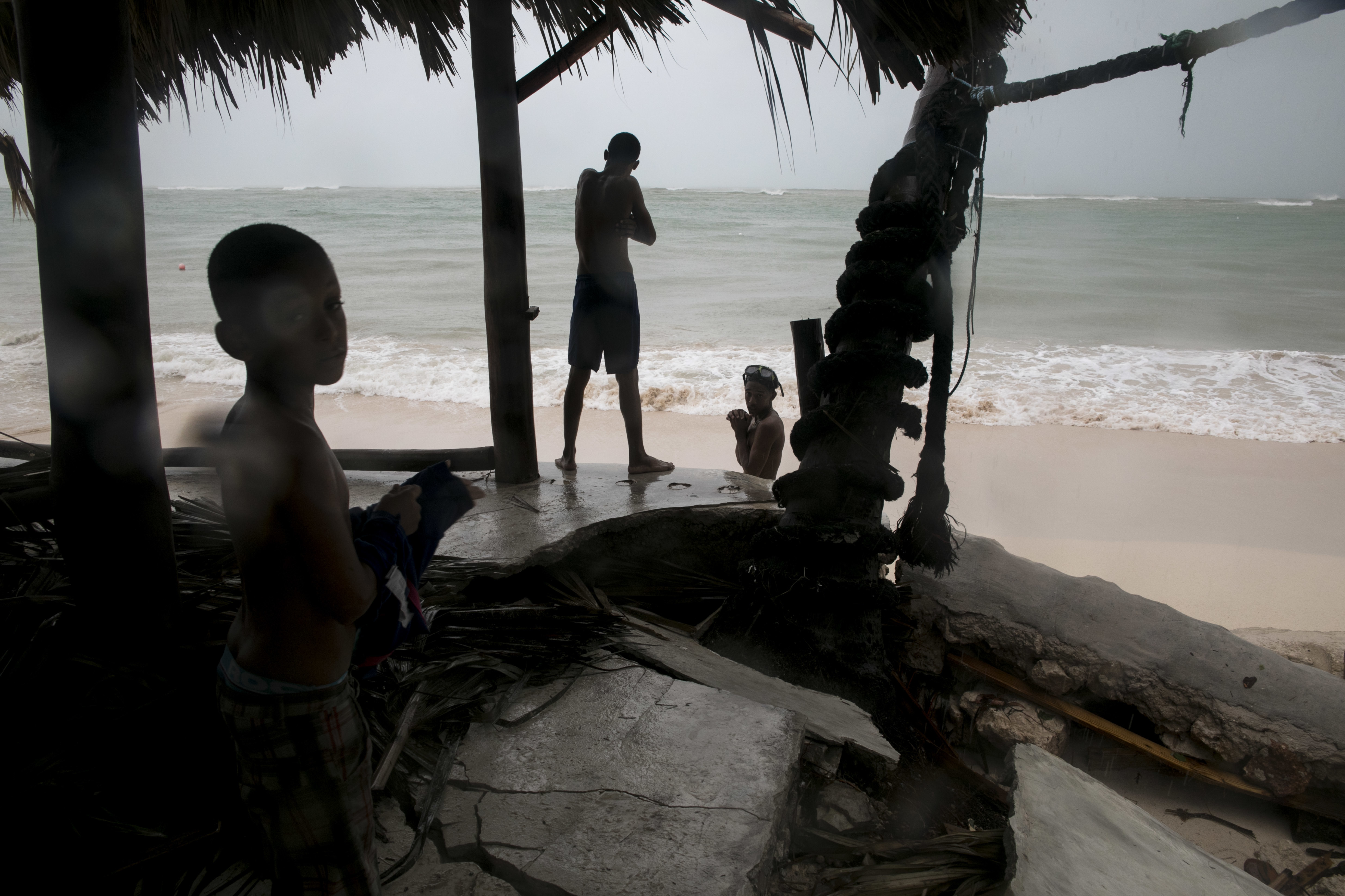 Жестокая «Мария»: мощнейший циклон обесточил целый остров вКарибском море
