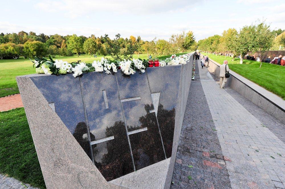 В Российской Федерации открыли крупнейший мемориал жертвам сталинских репрессий
