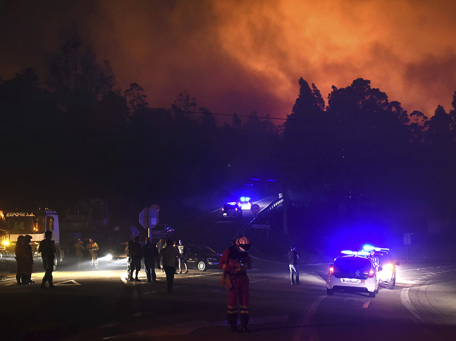 Вред отлесных пожаров вКалифорнии превысил 1 млрд долларов