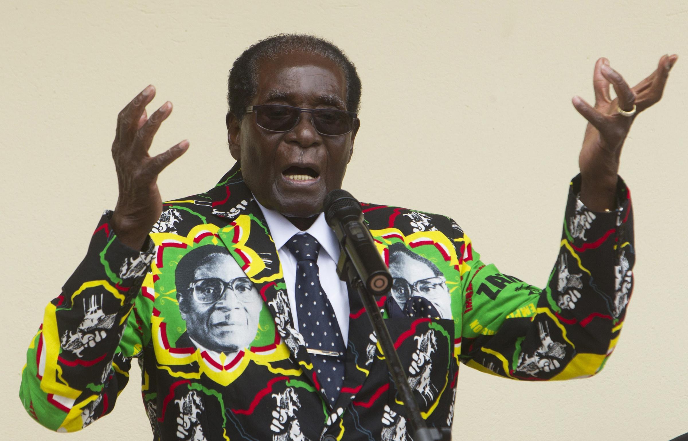 Руководитель  ВОЗ отменил назначение Мугабе послом доброй воли