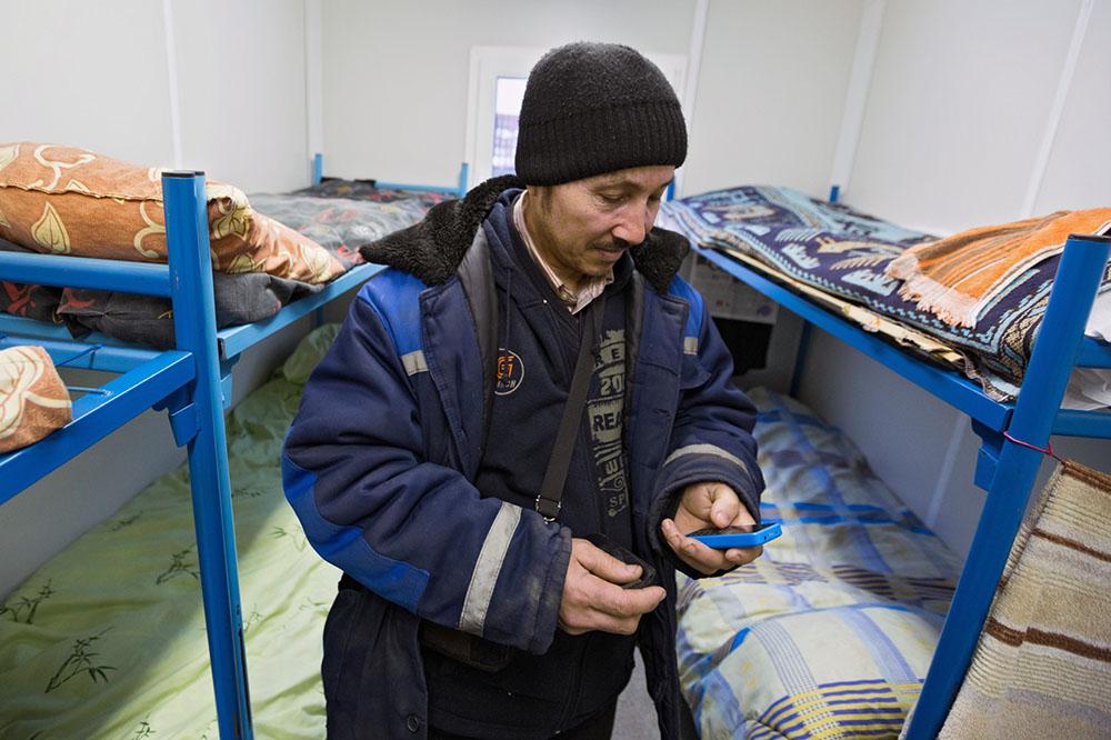 В РФ практически на 20 000 сократили квоту навременное проживание иностранцев