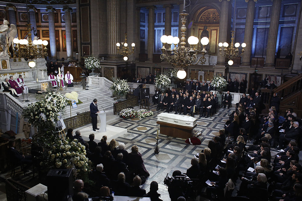 Похоронная церемония в церкви Мадлен