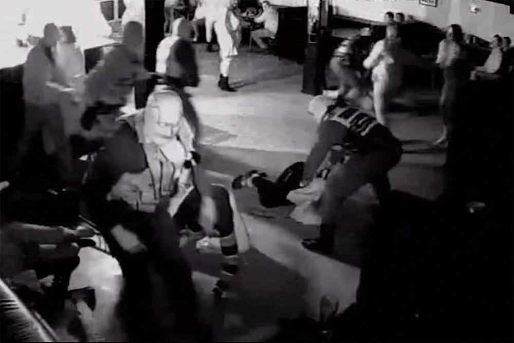 Спецназ грубо повязал 22 гостей елецкого клуба после звонка анонима