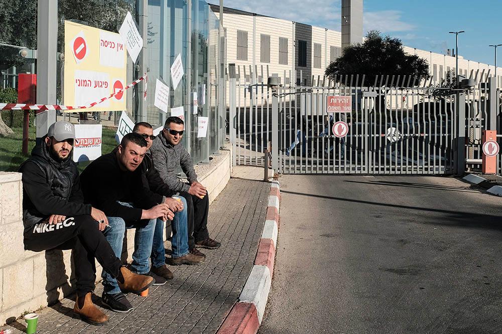 ВИзраиле из-за действий протестующих неработает главный аэропорт страны