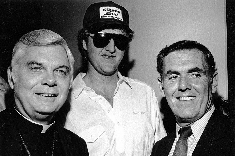 Бернард Лоу (слева) в 1985 году