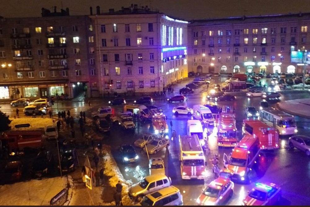 ВПетербурге всупермаркете произошел взрыв, есть пострадавшие
