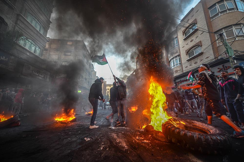 7 декабря. Палестинцы в секторе Газа протестуют против решения президента США Дональда Трампа о признании Иерусалима столицей Израиля