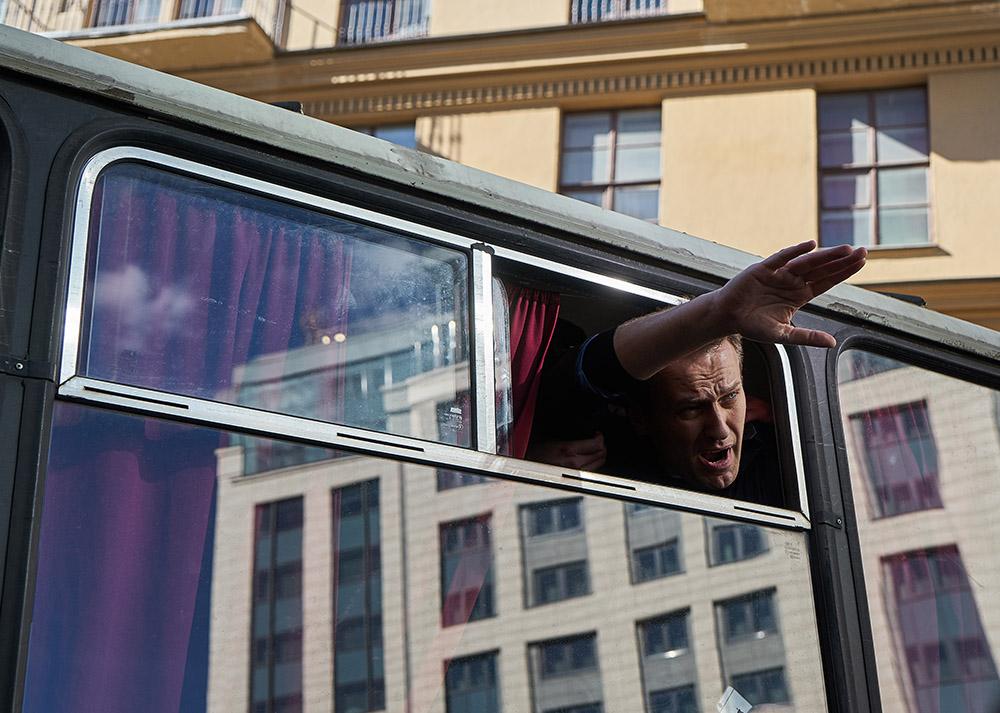 26 марта, Москва. Политика Алексея Навального во время антикоррупционного митинга задержала полиция