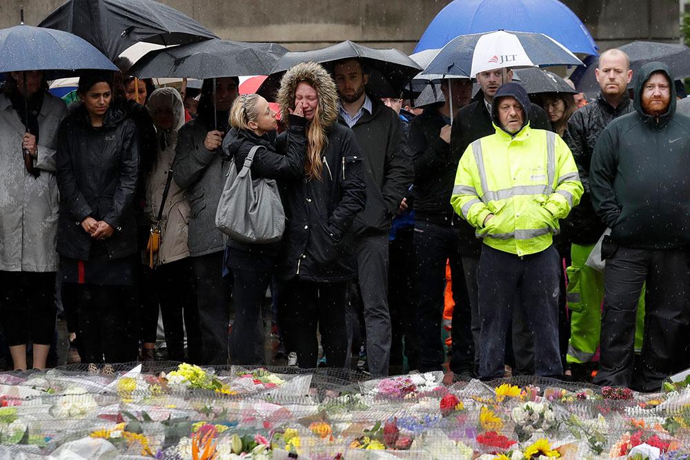 6 июня, Лондон. Минута молчания в память о жертвах теракта на Лондонском мосту