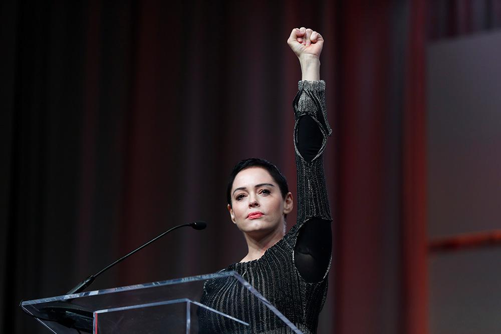 21 октября, Детройт. Актриса Роуз Макгоуэн на Конгрессе женщин рассказала о домогательствах Харви Вайнштейна