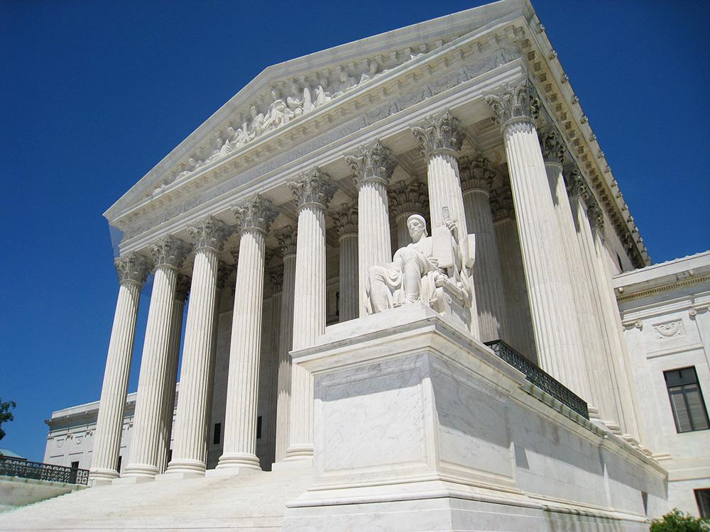 Суд над Манафортом откладывается доосени,— федеральный судья