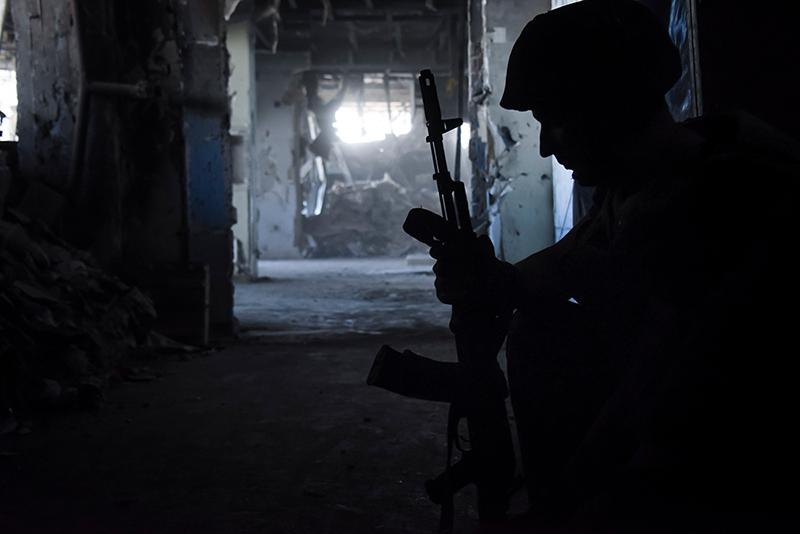 Солдат ДНР во время военных действий на территории Донецкого аэропорта