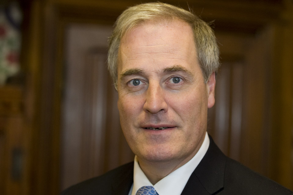 Британский министр уходит вотставку из-за опоздания