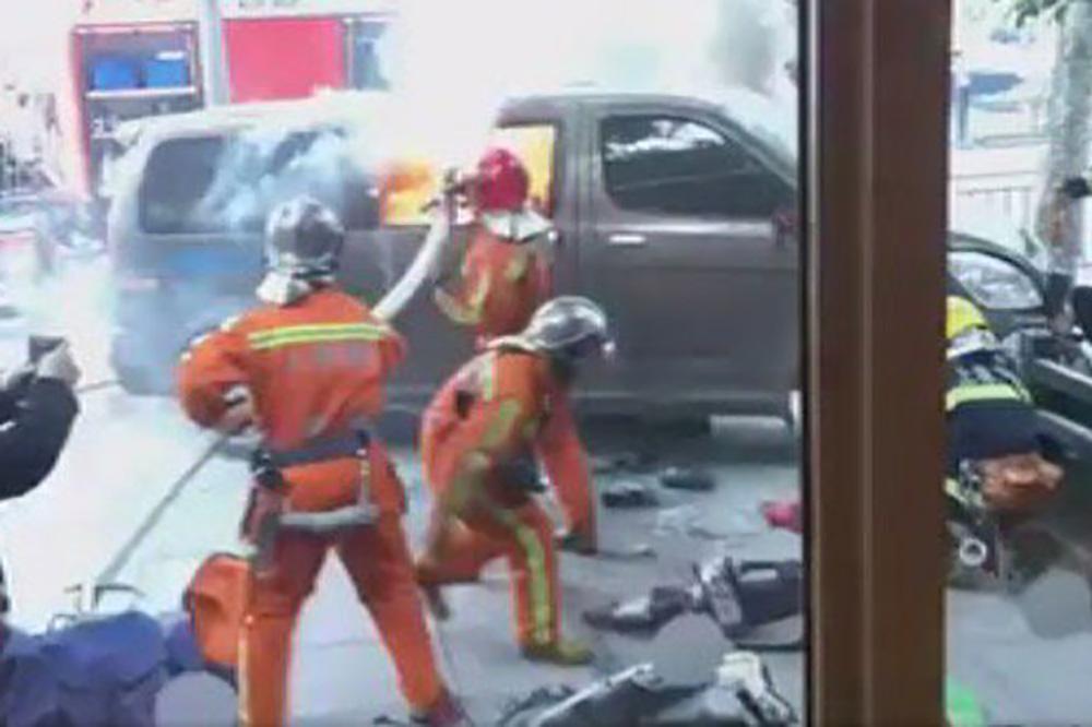 Жители РФнепострадали при наезде минивэна напешеходов в Китайская народная республика — МИД