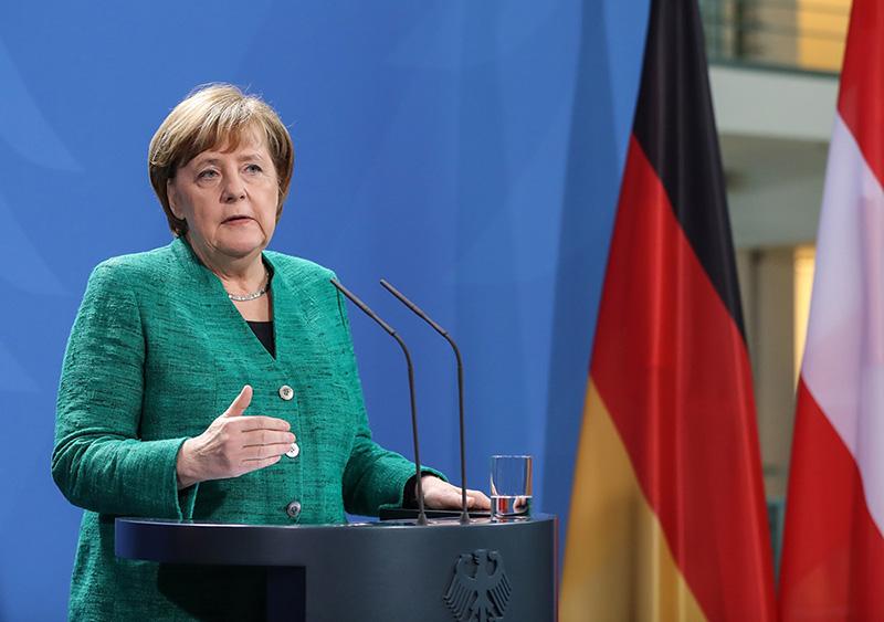 Канцлер Германии Ангела Меркель выступает на пресс-конференции